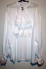 87. Koszula z żabotem