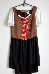 23. Suknia Dworska