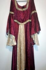 Suknia Dworska