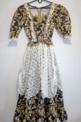 24a. Suknia Dworska