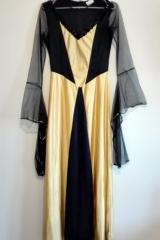 24b. Suknia Dworska
