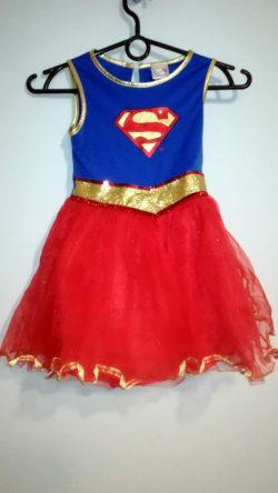 Strój Supermenka dla dziewczynki